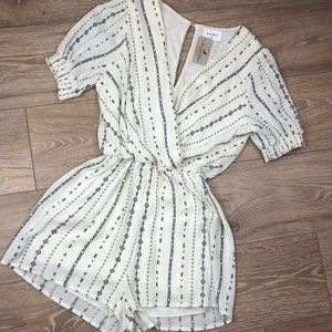 NWT Everly Romper Small